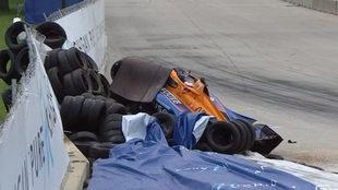 Felix Rosenqvist sufre un brutal accidente contra el muro de contención
