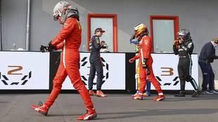 "Hamilton se rinde a Sainz: ""Pilota muy bien"""