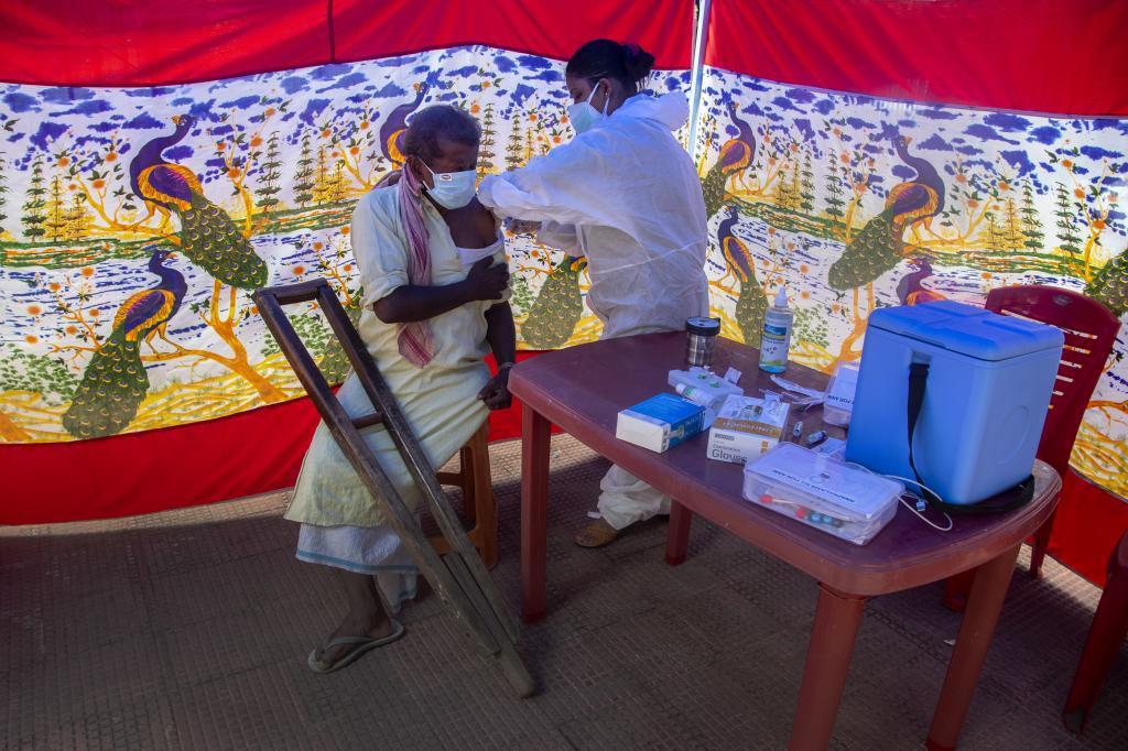 Campaña de vacunación a personas sin hogar en India