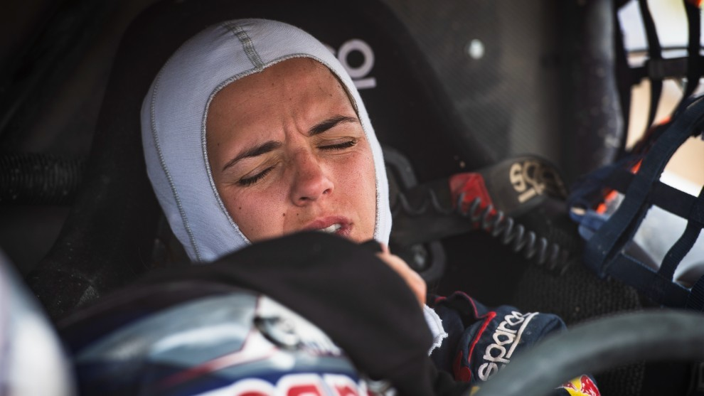 Cristina Gutiérrez gana el Rally de Kazajistán... ¡¡con dos vértebras rotas!!