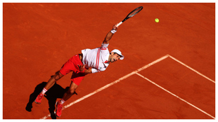 Djokovic, en el momento del saque