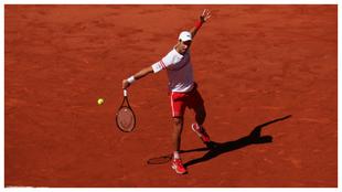 Djokovic pega de revés