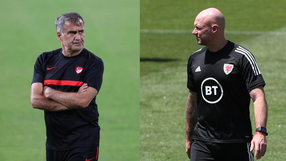 Senol Gunes, técnico de Turquía; y Robert Page, entrenador de Gales.
