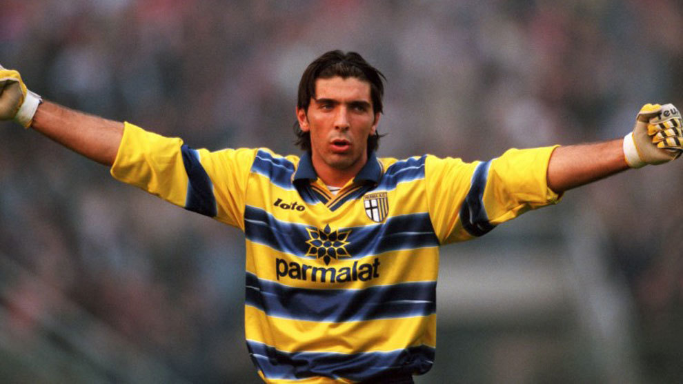 Buffon en su primera etapa con el Parma.
