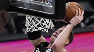 Blake Griffin durante el quinto partido ante los Bucks