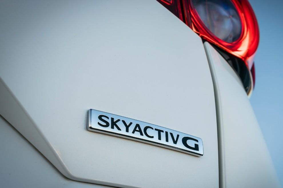 Los motores de combustion Skyactiv-G y Skyactiv-D continuarán su desarrollo.