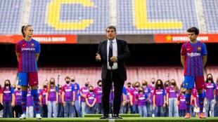 Laporta, en la presentación de las nuevas camisetas del Barcelona.