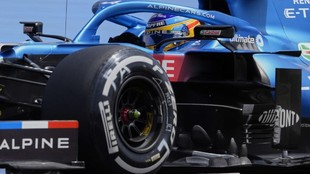 Fernando Alonso, durante los Libres 2 del GP de Francia 2021.