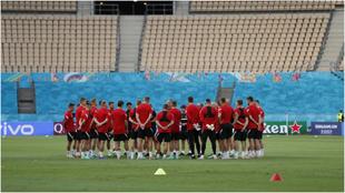La selección de Polonia, entrenándose en La Cartuja.
