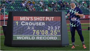 Ryan Crouser, tras batir el récord del mundo de peso.