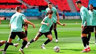 Joao Félix en un rondo de la selección portuguesa