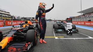 Verstappen celebra la pole en el GP de Francia 2021.