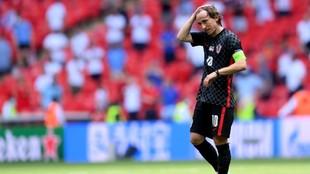 Luka Modric muy decepcionado con el juego de su selección.