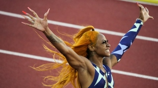 Sha'Carri Richardson celebra su vioctoria en los 100 metros en...