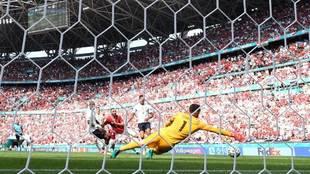 Fiola bate a Lloris en el Hungría-Francia disputado en el Puskas...