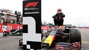 Verstappen celebra el triunfo en el GP de Francia 2021.