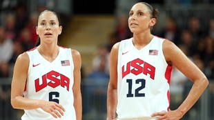 Sue Bird y Diana Taurasi, en un partido con la selección de Estados...
