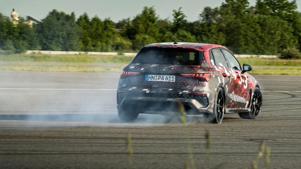 Audi RS 3 - modo drift - torque splitter - compacto deportivo - 400 CV - 290 km/h