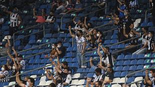 Afición de Monterrey durante un partido en el Gigante de Acero