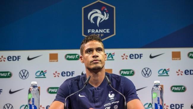 Varane, durante una rueda de pre sa con Francia