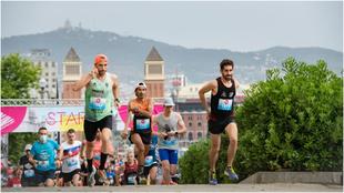 Los corredores al inicio de la Salomon Run.