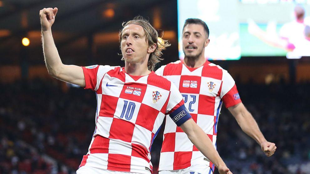 Luka Modric festeja el golazo que supuso el 2-1 para Croacia