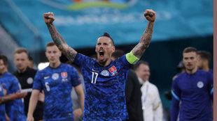Hamsik, celebrando la victoria ante Polonia.