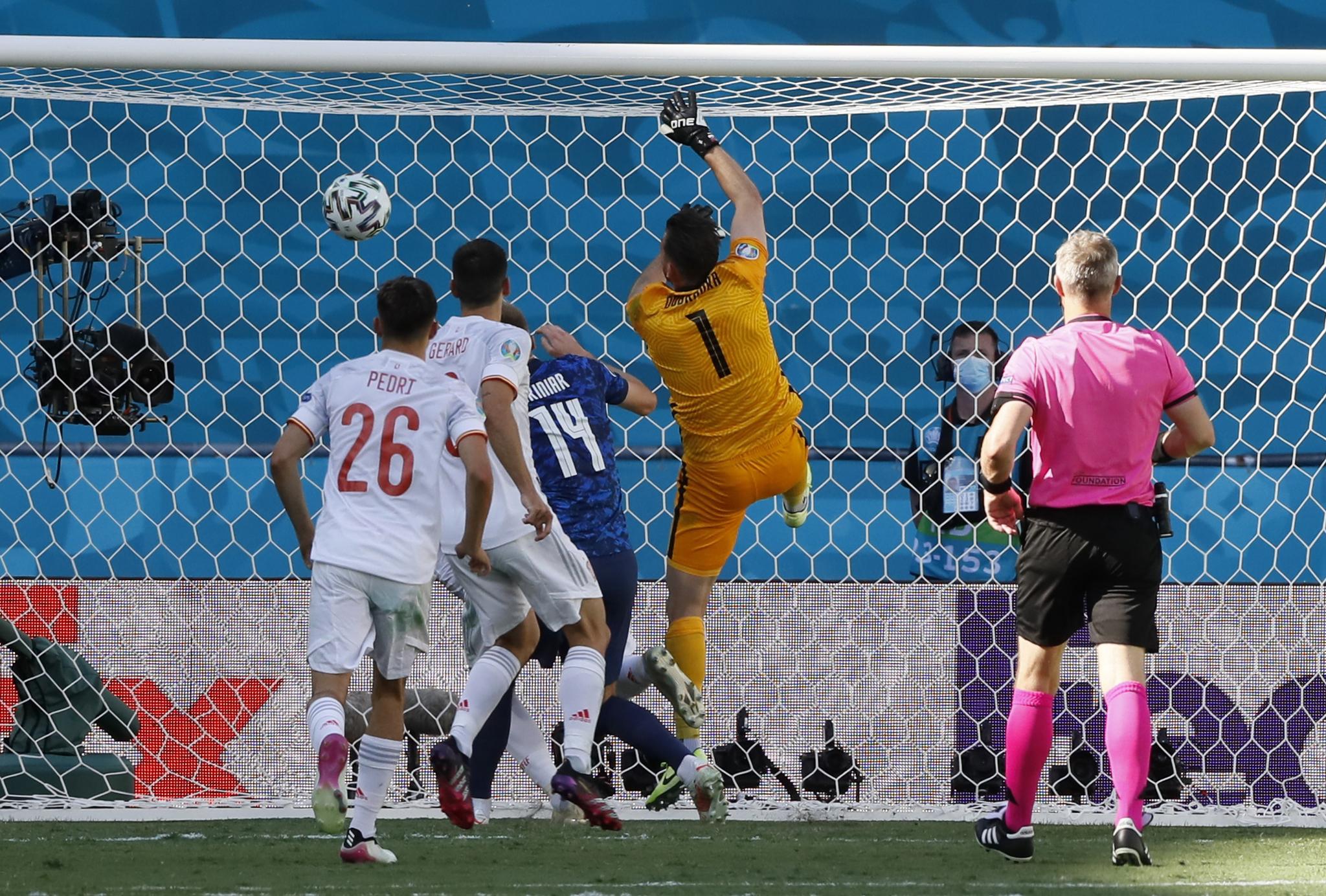 El error de Dúbravka para el 0-1 a favor de España
