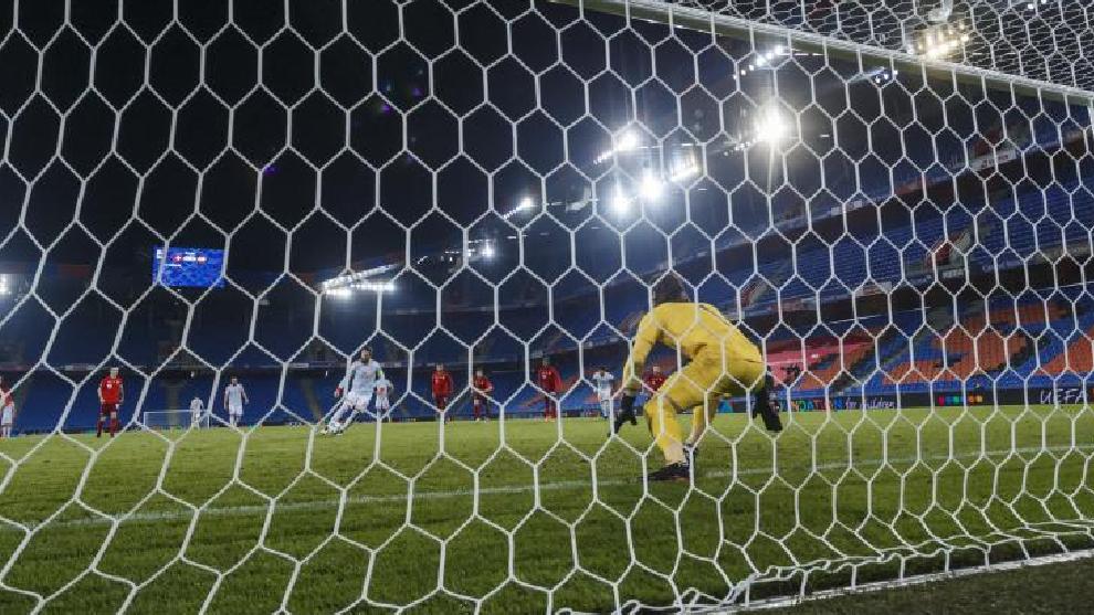 Uno de los últimos penaltis lanzados por Sergio ramos con la Selección, a finales de 2020.
