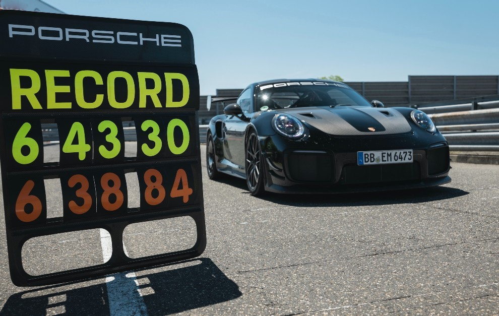 Porsche 911 GT2 RS - récord Nürburgring - 6:43.300 - kit Manthey - coches deportivos