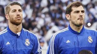 Sergio Ramos e Iker Casillas durante un partido de Champions ante el...