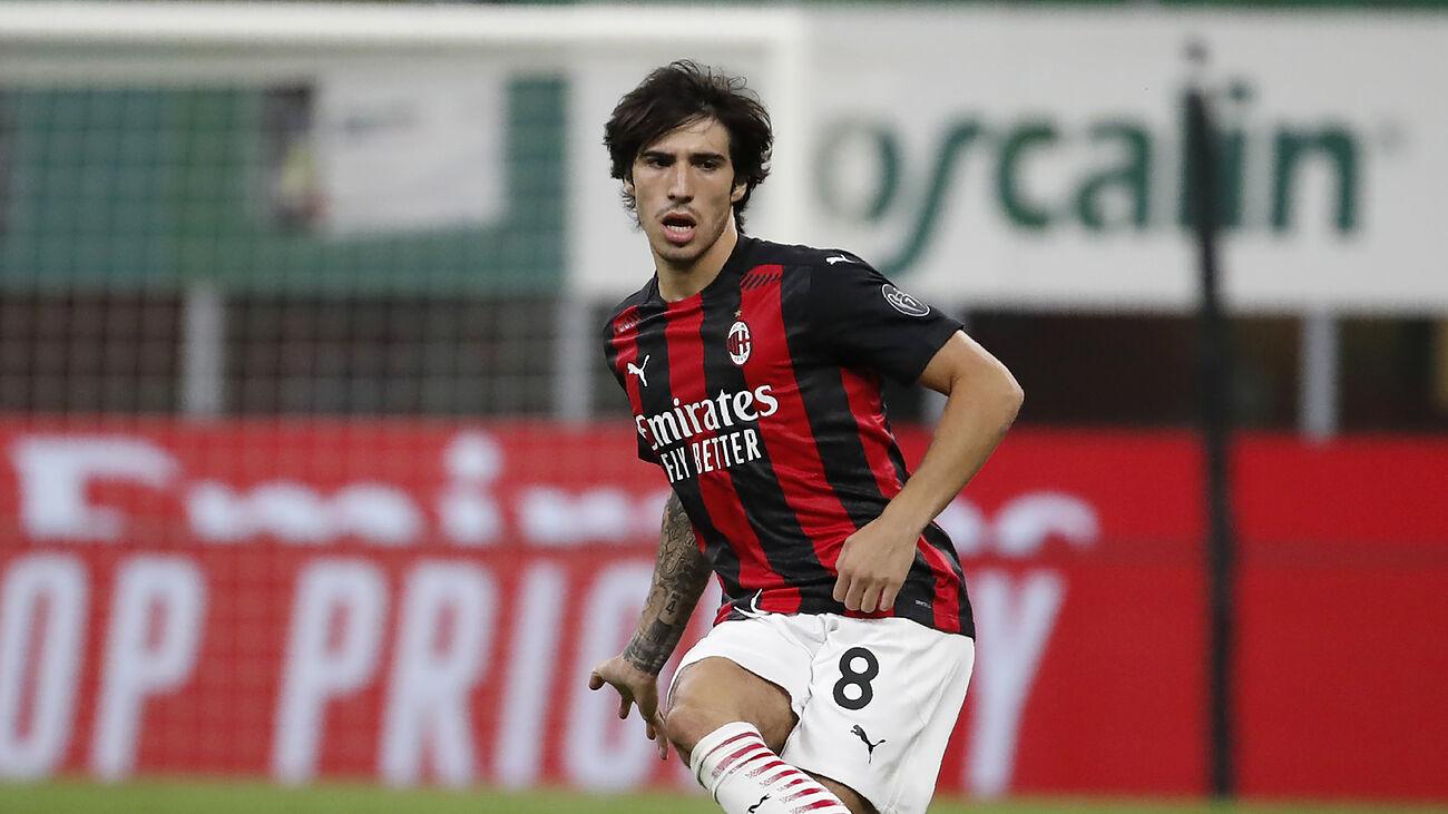Sandro Tonali en un partido de este año con el Milán.
