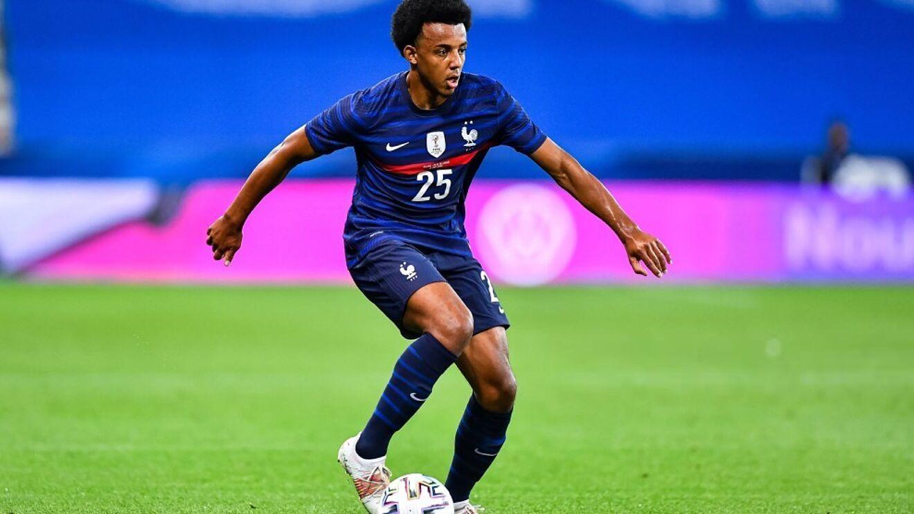 Jules Koundé con la selección de Francia.
