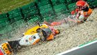 Marc Márquez, en el suelo tras caerse en Assen.