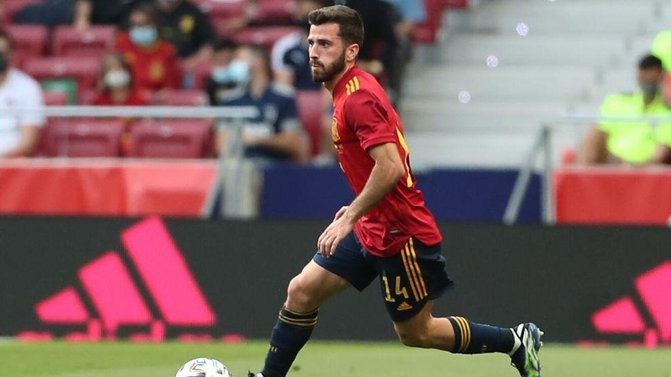 Jose Luis Gaya in action for Spain.