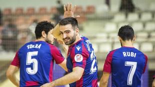 Pedro Toro celebra un gol con el Levante esta temporada