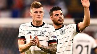 Kroos saluda después de un partido de Alemania en la Euro
