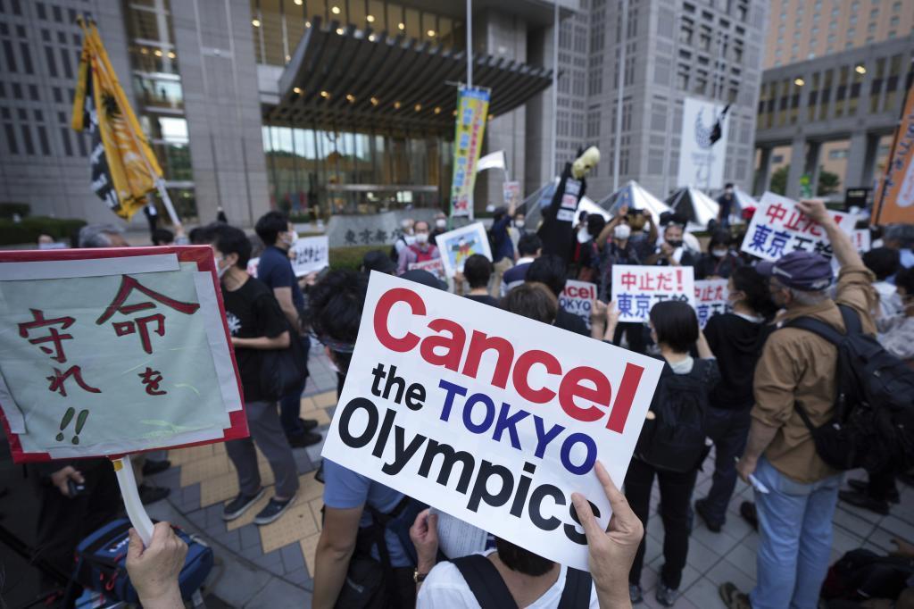Continúan las protestas en Tokio para que se cancelen los Juegos.