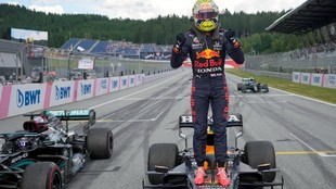 Verstappen celebra la victoria en el GP de Estiria 2021.