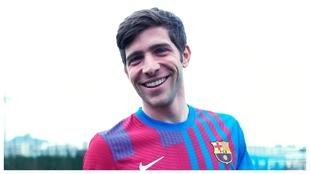 Sergi Roberto, con la nueva camiseta del Barcelona.