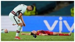Cristiano se lamenta tras la eliminación de Portugal.
