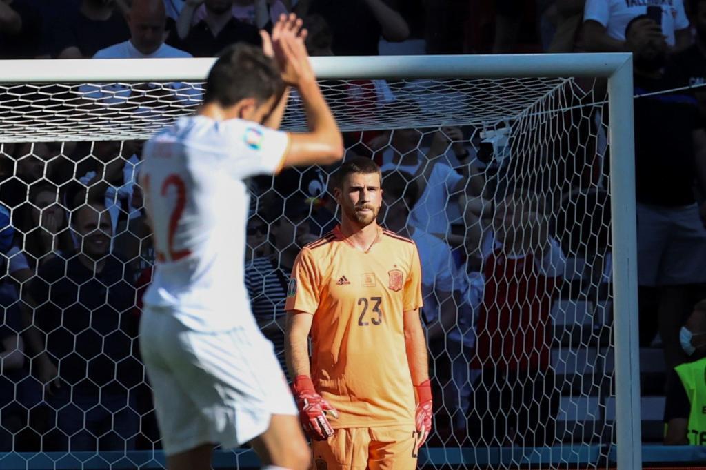 Los aplausos de Eric García a su compañero tras su error en el 1-0