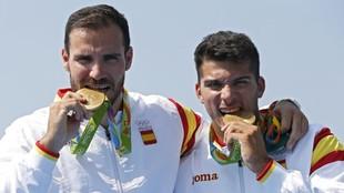Saúl Craviotto y Cristian Toro, con su medalla de oro en K2 200