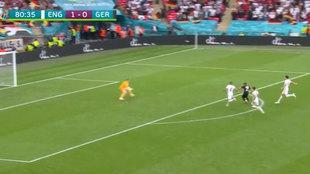 1-0 para Inglaterra, Müller encara a Pickford y pasó algo que le recordarán toda la vida