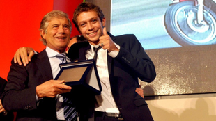 Giacomo Agostini y Valentino Rossi.