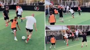 Zidane no pierde la magia: así 'burrea' a sus hijos con 49 años