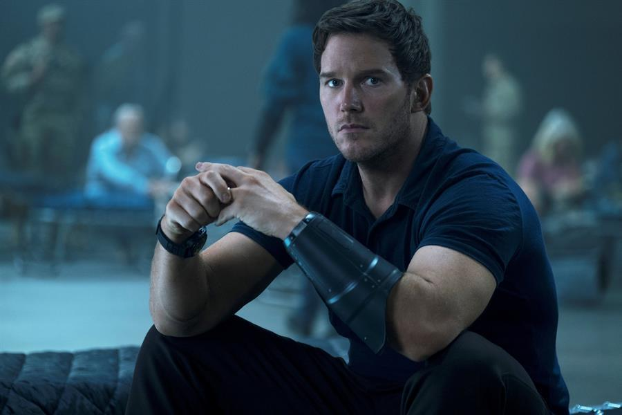 Chris Pratt interpreta a Dan Forester, un profesor que viaja al futuro /