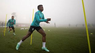 Vinicius, en un entrenamiento con Brasil en la Copa América en la que...