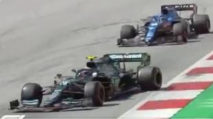 El monumental cabreo de Alonso tras la 'Vettelada'