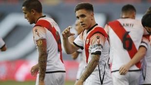 Joni Montiel (22) celebra un gol con el Rayo Vallecano.